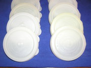 крышки твердые полиэтиленовые для консервирования.Двух видов.